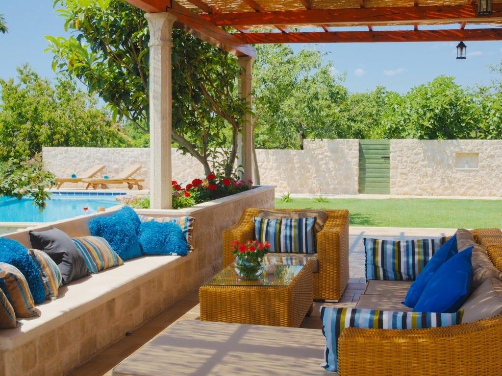 Outdoor area Villa 1